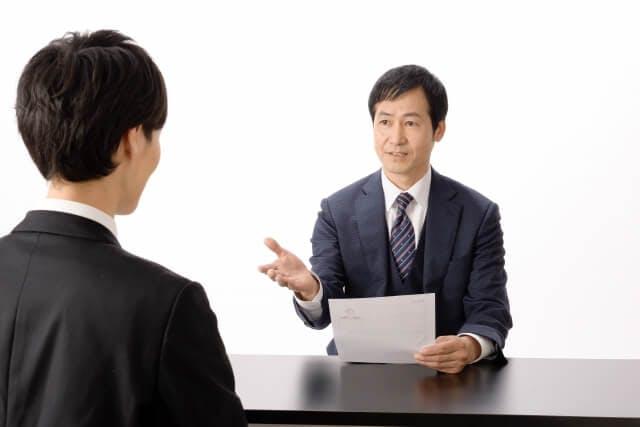 薬剤師が転職時の面接で想定される質問と好印象を与えるための受け答え
