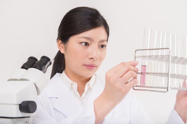 転職にも有利なスキルアップできる資格【専門薬剤師】
